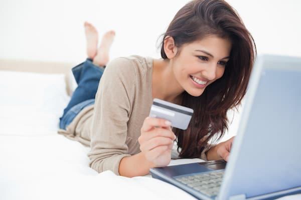 Card de Debit sau de Credit? Tu stii ce diferente sunt intre ele?