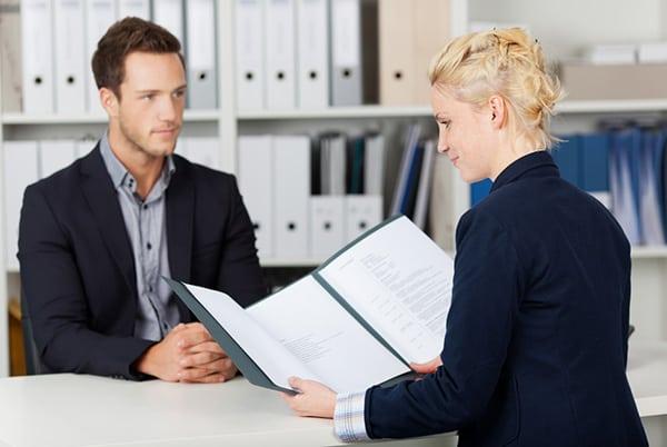10 Intrebari de Interviu pentru care Trebuie sa Fii Pregatit