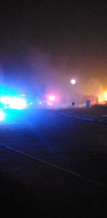 (Foto-video) Ultima oră- Incendiu la un cap tractor
