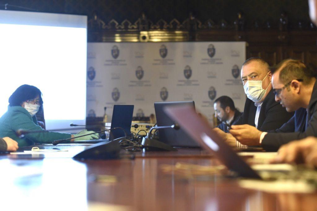 Premieră la Craiova. Cum a decurs prima ședință on-line din istoria Consiliului Local. Consilierii au stat acasa la calculator, executivul la primărie.